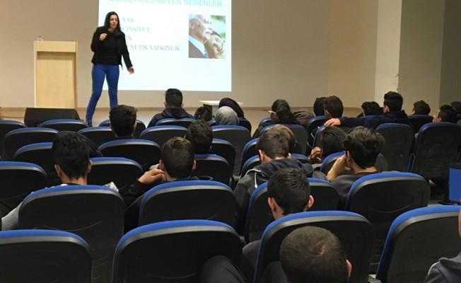 Hala Sultan İlahiyat Koleji'nde öğrencilere seminer