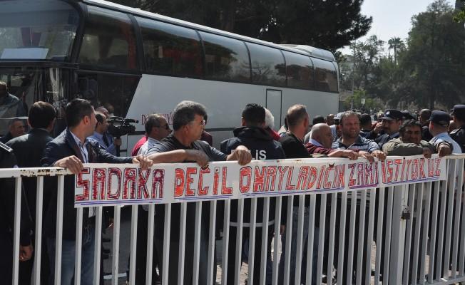Kar-İş Lefkoşa'da araçlı eylem yaptı.