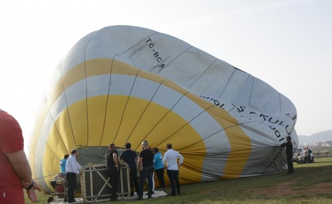 Lefkoşa'da sıcak hava balonu şenliği yapıldı
