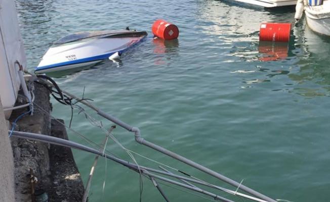 Mağusa limanında iskele çöktü...