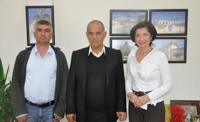 Tomova Lefke Belediye Belediye Başkanı'nı ziyaret etti