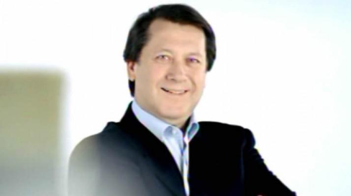 Ahmet Özhan YDÜ'de konser verecek