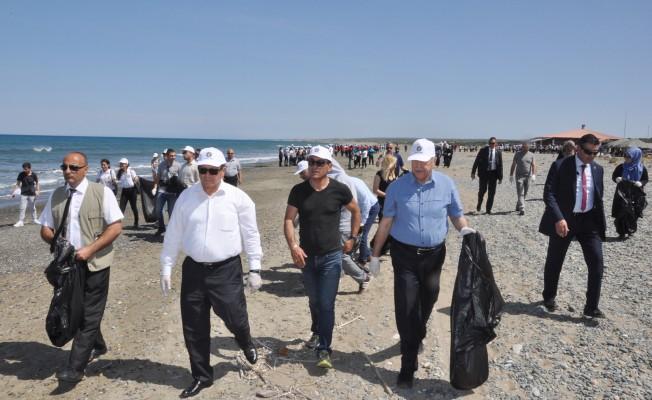 Akdeniz Köyü'nde Sahil temizliği yapıldı
