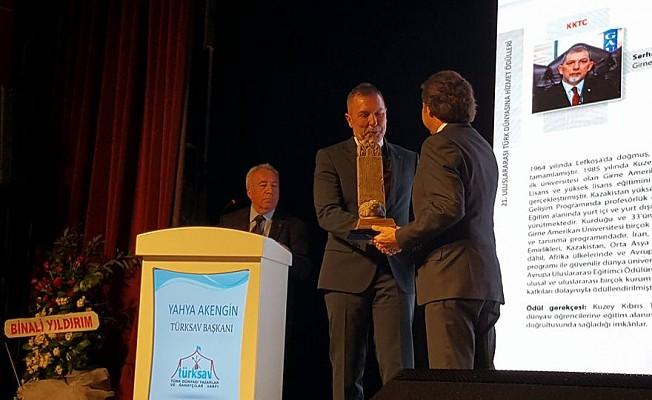 Akpınar'a Türk Dünyasına hizmet ödülü