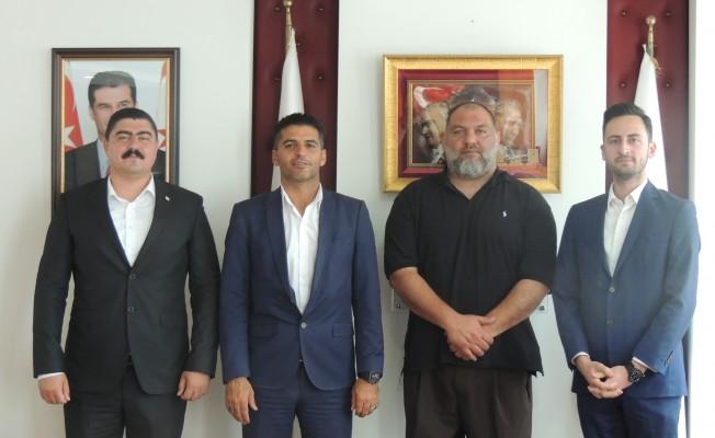 Alsancak Belediye Başkanı Ataser'e ziyaret...