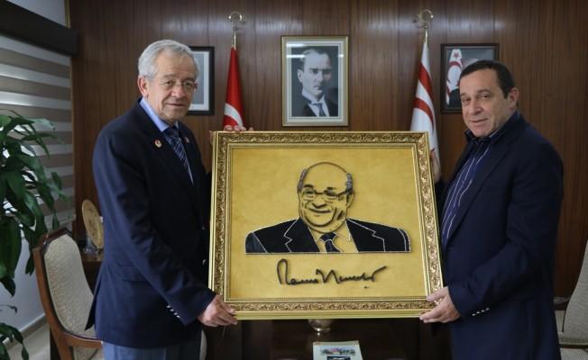 Denktaş, Emekli Albay Tandoğan'ı kabul etti