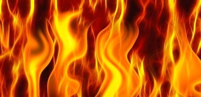 Güzelyurt-Kalkanlı yolunda yangın