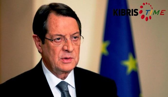 """Anastasiadis'ten Kıbrıslı Türklere """"garantilerden kurtulma"""" mesajı"""