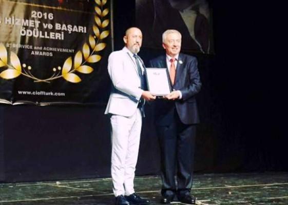 İskele Belediyesi Halk Dansları Yönetmeni'ne ödül...
