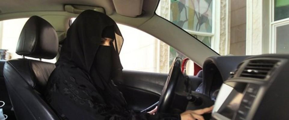 Suudi Arabistan'da kadınlar artık araç kullanabilecekler