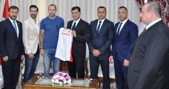 Özgürgün, Guliyev'i kabul etti