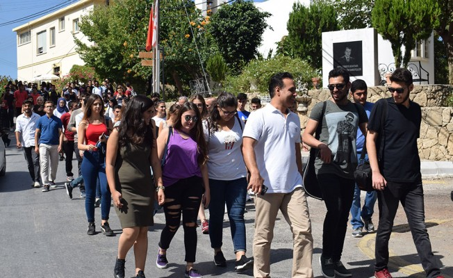 UFÜ öğrencileri Girne'yi gezdi...