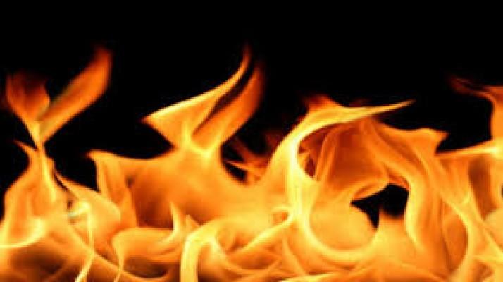 Ocakta unutulan tencere yangın çıkardı