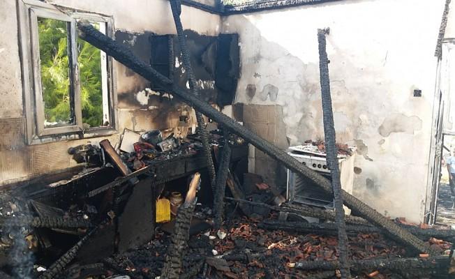 Doğancı -Taşpınar yolu üzerinde bulunan evde yangın