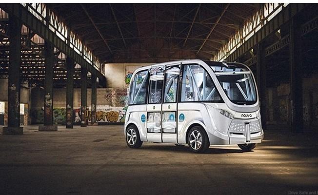 Baidu sürücüsüz otobüs üretimine başladı