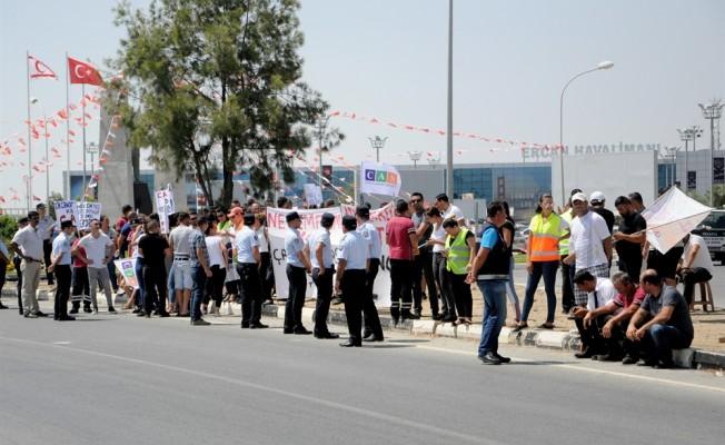 CAS çalışanları Ercan'da eylem yaptı...