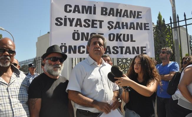 KTÖS Erdoğan'ı protesto etti