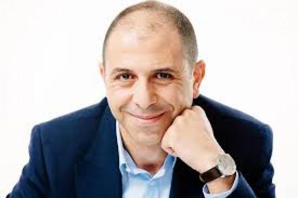 Özersay: Londra-Ercan uçuşlarında uçaktan inilmeyecek