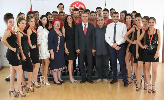 Uluçay, Miss Kuzey Kıbrıs ve Bay Kuzey Kıbrıs finalistlerini kabul etti