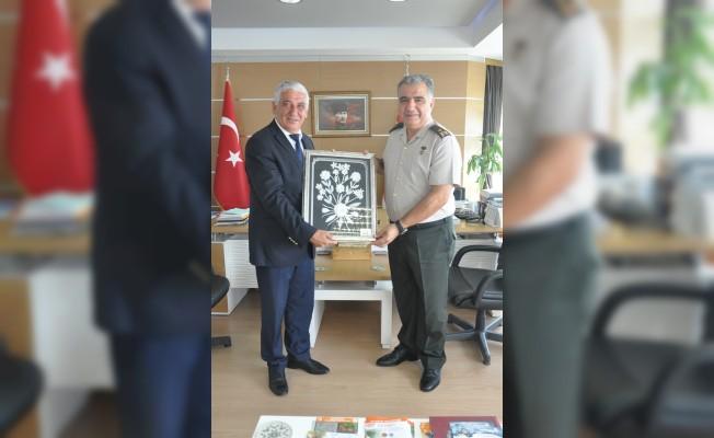 Erdal Şener, Özçınar'a veda etti