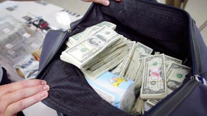 Ercan'da 150 Bin Dolar ile yakalandı