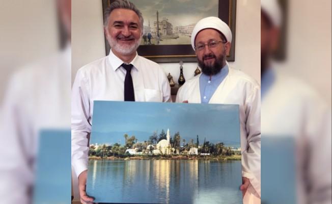 Hala Sultan Tekkesi İmamı'ndan Vakıflar'a teşekkür ziyareti