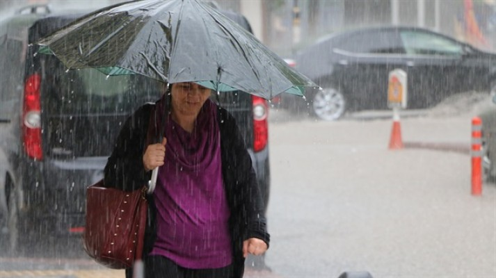 Cumaya kadar yer yer sağanak yağmur var