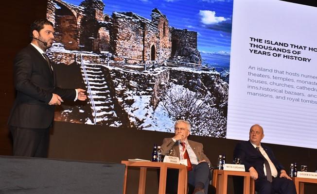 Savaşan Bursa'da Turizm Zirvesi'ne katıldı.