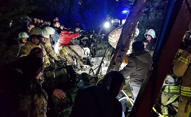 İstanbul'da helikopter düştü...4 Şehit!