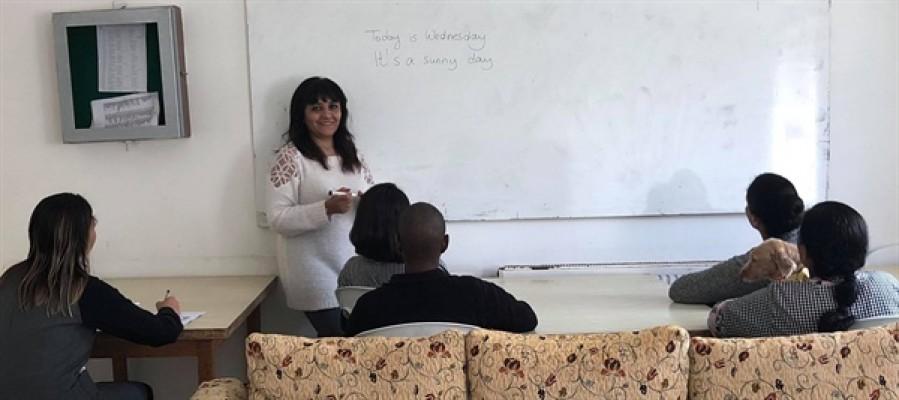 Lefkoşa Merkezi Cezaevi'nde İngilizce kursları sürüyor...