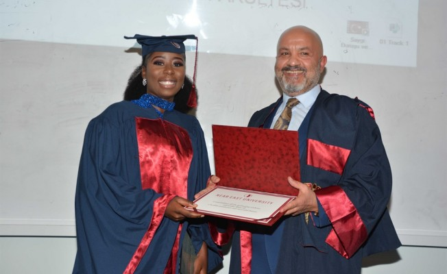 YDÜ 30 hemşire mezun etti...