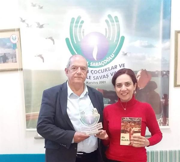 """""""Bir Dakika Bir Ömür"""" kitabı Saraçoğlu'na bağışlanacak"""