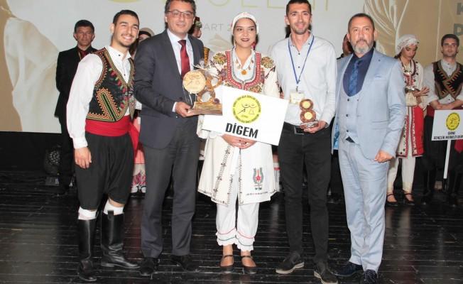 Erhürman: Gençlerimiz kültürümüzü geleceğe taşımaya kararlı