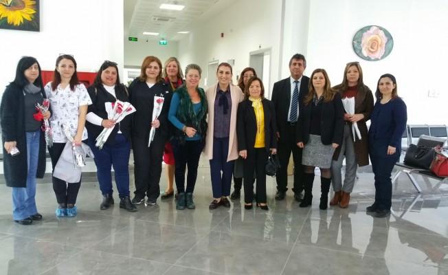 Kıbrıslı Türk ve Rum Sendikacılar Onkoloji Hastanesi'ni ziyaret etti