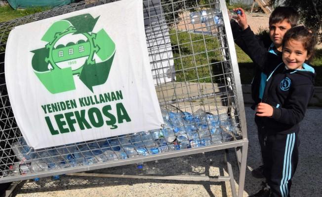"""""""Çöpe Değil, Geri Dönüşüme"""" kampanyasında 220 bin şişe toplandı"""