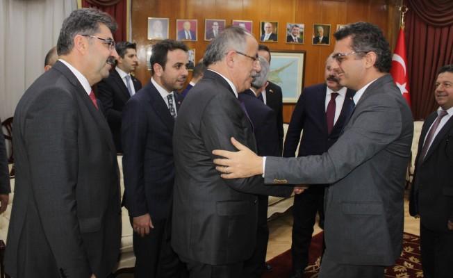 Şentop, Başbakan Tufan Erhürman'ı ziyaret etti