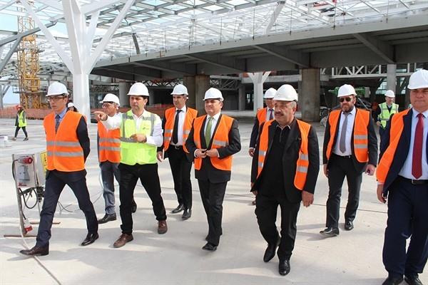 Başçeri, Ercan'daki yeni terminal inşaatında incelemelerde bulundu