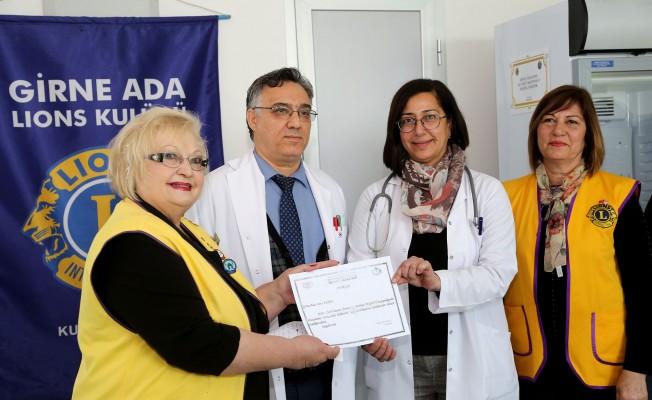 Girne Ada Lions kan saklama dolabı bağışladı