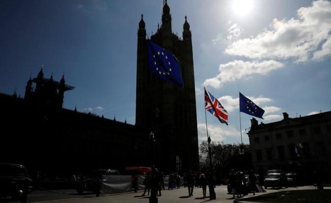 """İngiliz Parlamentosu'ndan """"Anlaşmasız Brexit"""" için onay"""