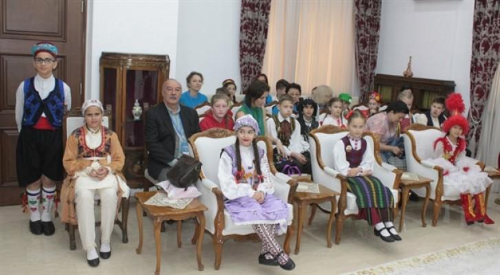 Meclis koltukları çocuklara emanet