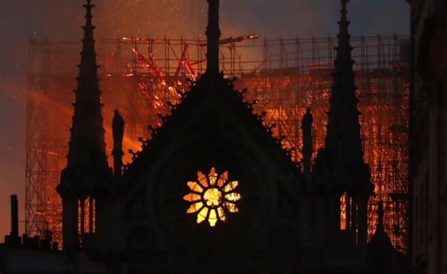 UNESCO'dan Notre Dame Katedrali'nin restorasyonuna destek
