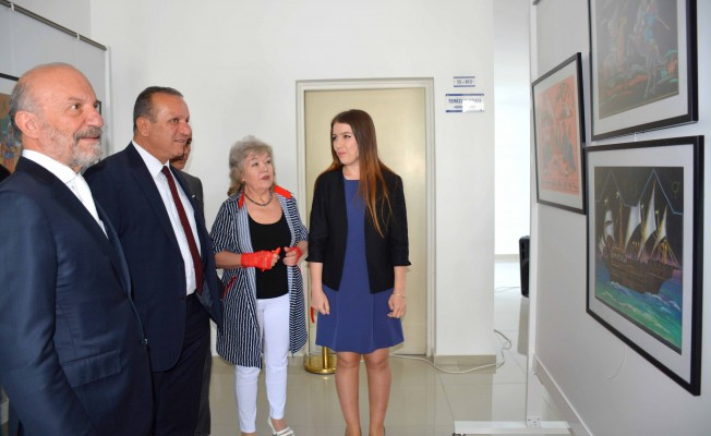 Kazak sanatçının resim sergisi YDÜ'de açıldı