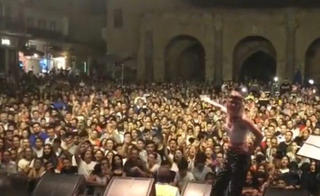 Aleyna Tilki Gazimağusa'da konser verdi