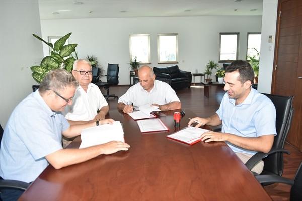 Gönyeli Belediyesi'nde toplu iş sözleşmesi imzalandı....