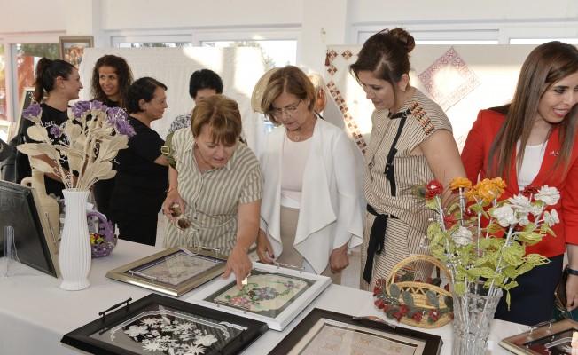 Meral Akıncı, Serdarlı Köy Kadın Kursu sergisini açtı
