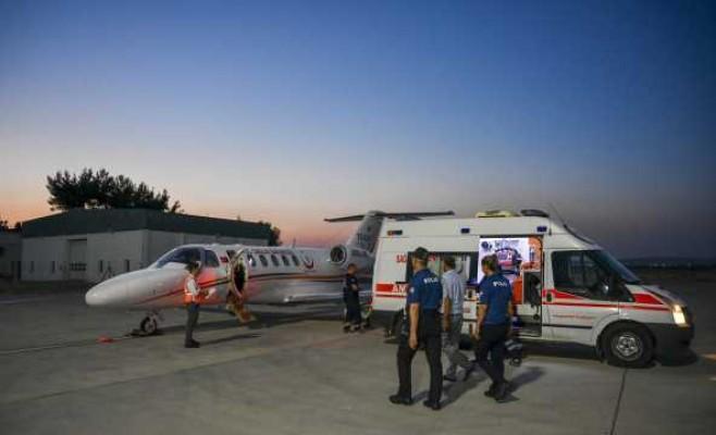 KKTC'den ambulans uçakla Gaziantep'e götürüldü