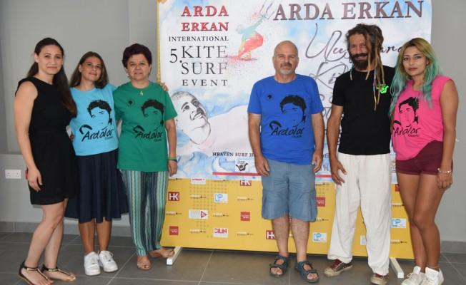 Arda Erkan anısına kite surf etkinliği yapılıyor
