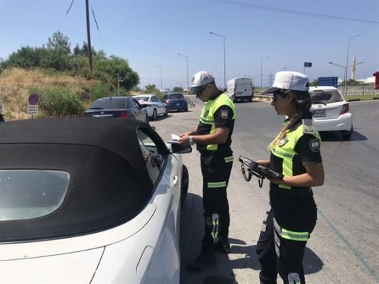 Polis Girne'de denetim yaptı...
