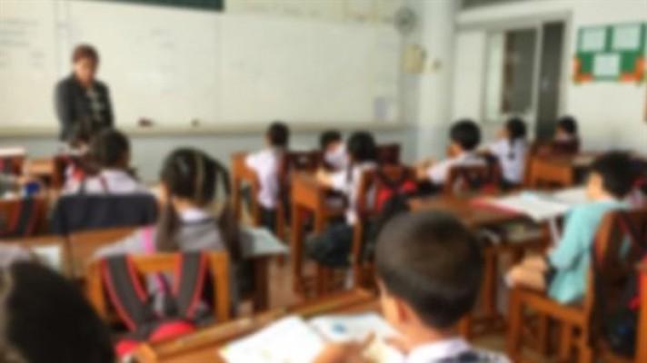 Devlet okullarında eğitim alan öğrenciler ders başı yapıyor...