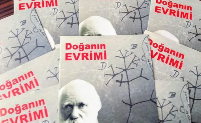 """""""Doğanın Evrimi"""" kitabı okullara dağıtıldı"""